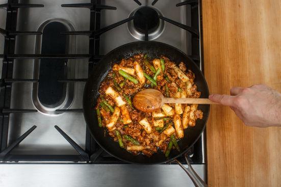 Bánh gạo sốt thịt băm làm nhanh cho bữa sáng