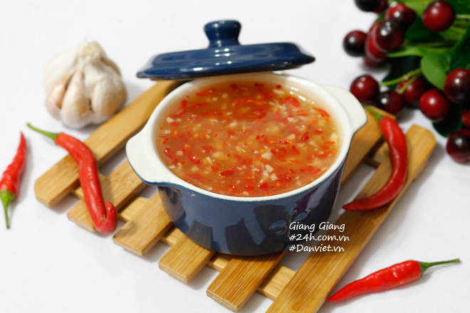 Bí quyết làm nước chấm chua ngọt sánh đặc, thơm lừng ăn món nào cũng ngon