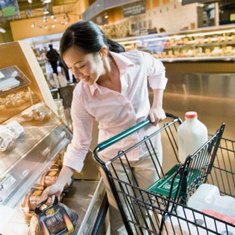 Bí quyết tiết kiệm chi phí khi đi chợ