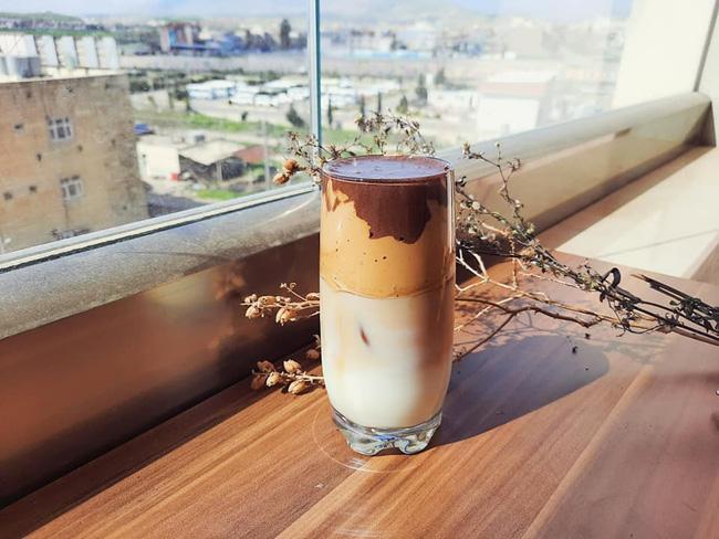 Biến tấu mới toanh của cà phê Dalgona khiến MXH thêm một lần