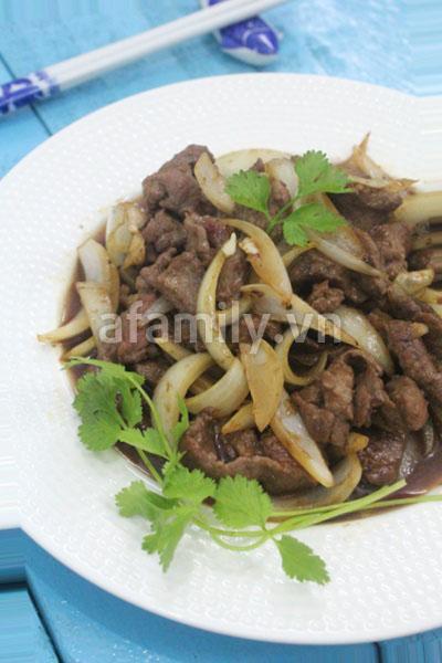 Bò xốt tiêu đen - món ngon đầu tuần