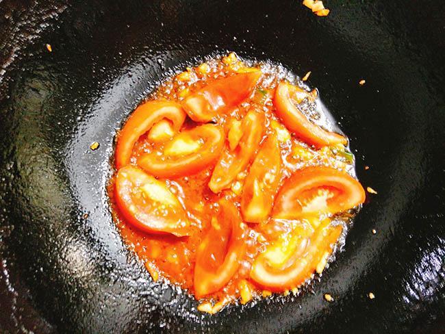 Cả nhà xuýt xoa với món sườn sốt dứa chua ngọt vừa thơm vừa mềm