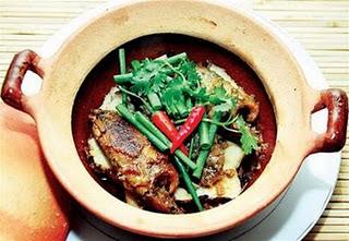 Cá rô kho tộ đơn giản mà đậm đà hương vị đồng quê