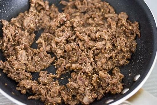 Cách làm bò sốt vừng thơm mềm cho bữa tối