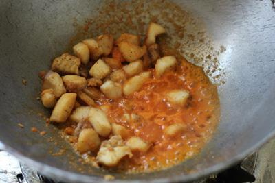 Cách làm món cá sốt rau củ đậm đà cho bữa tối