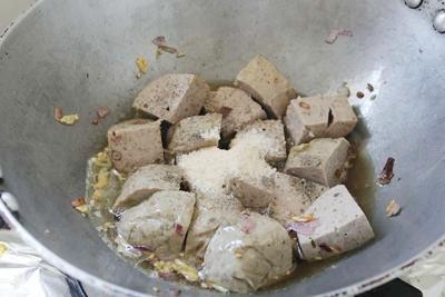 Cách làm món giò bò kho tiêu nhanh gọn mà ngon