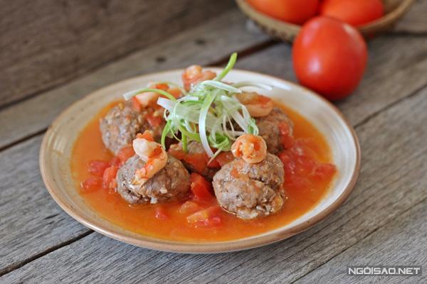 Cách làm món tôm bò viên sốt cà chua siêu ngon