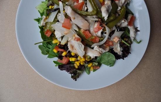 Cách làm salad thịt gà kiểu Mexico