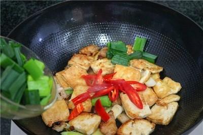 Cách làm thịt sốt đậu phụ mặn ngọt, đậm đà hao cơm