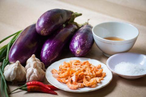 Cách nấu cà tím sốt tôm khô đơn giản, ngon cơm