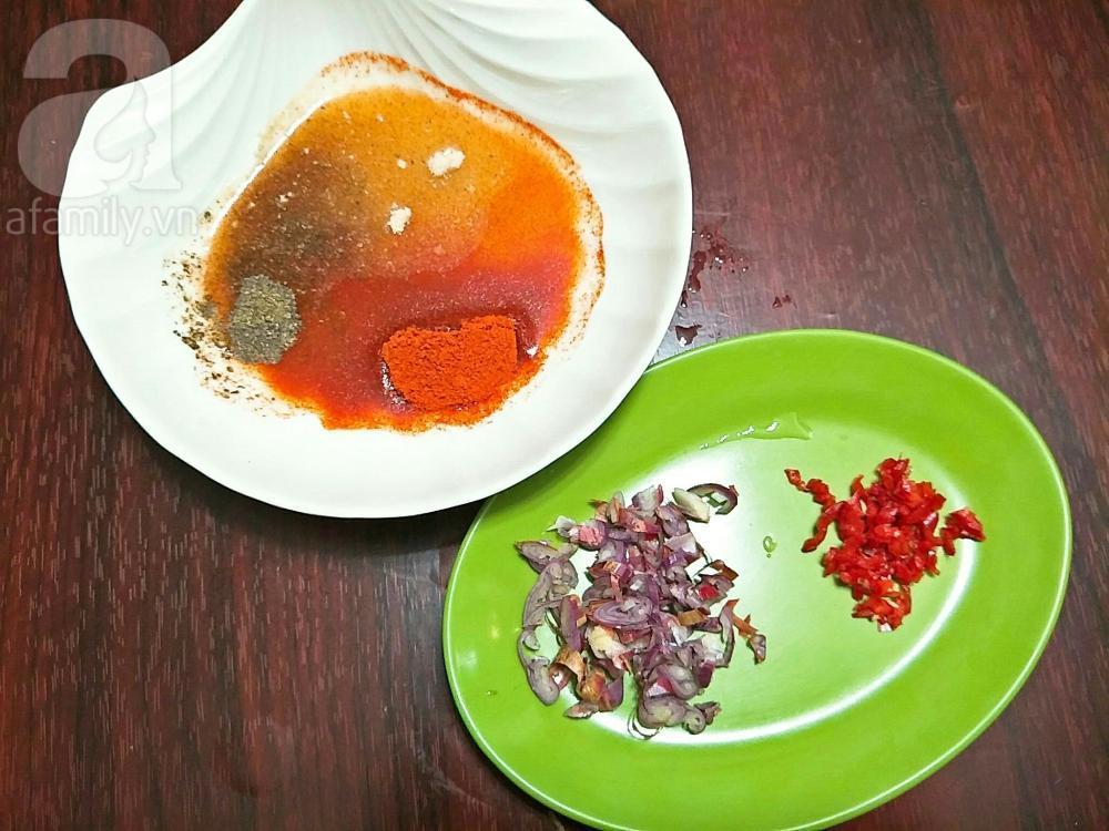 """Chỉ là thịt ba chỉ rim chua cay thôi mà ngon đến """"nhức nhối"""" thế này"""
