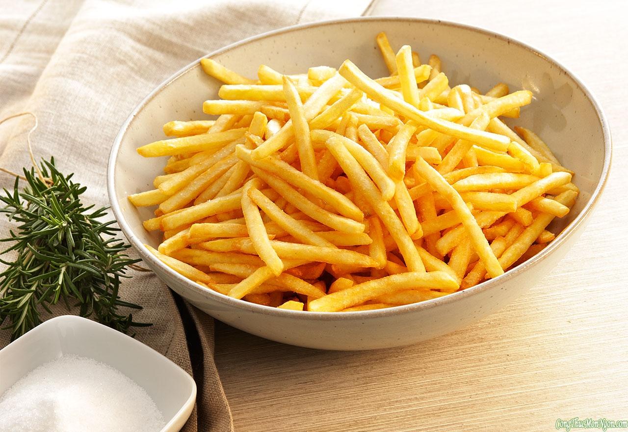 Chiên khoai tây giòn tan ngon hơn ngoài hàng