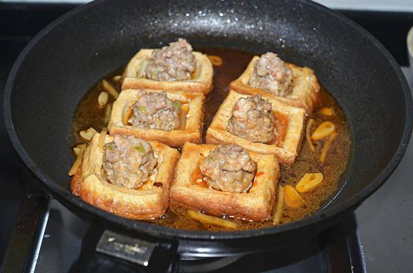 """Công thức """"cách tân"""" cho món đậu nhồi thịt ngon quên sầu!"""