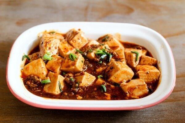 """""""Đánh bay"""" nồi cơm trong một nốt nhạc với món đậu phụ sốt Tứ Xuyên cực ngon cơm..."""