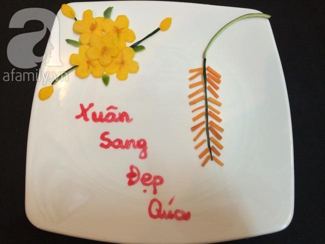 Để trang trí đĩa ăn ngày Tết đừng bỏ qua cách tỉa hoa siêu đơn giản sau đây!