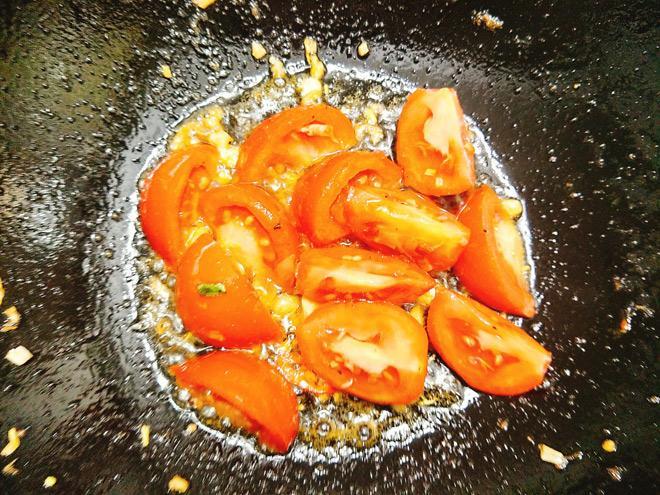 Dồi trường xào dưa chua, món ngon chiều chồng ngày đông lạnh