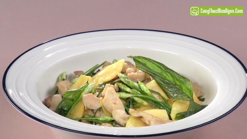 Đu đủ xào thịt gà mềm thơm cho bữa cơm gia đình thêm ngon