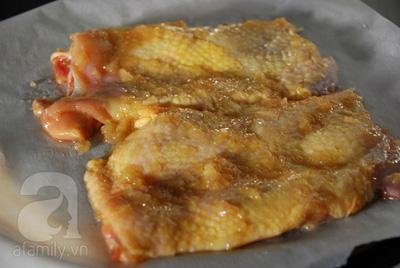 Gà nướng táo ngũ vị cho bữa cơm tối nhanh ngon