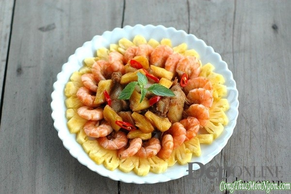 Hướng dẫn làm món tôm thịt rim dứa hấp dẫn