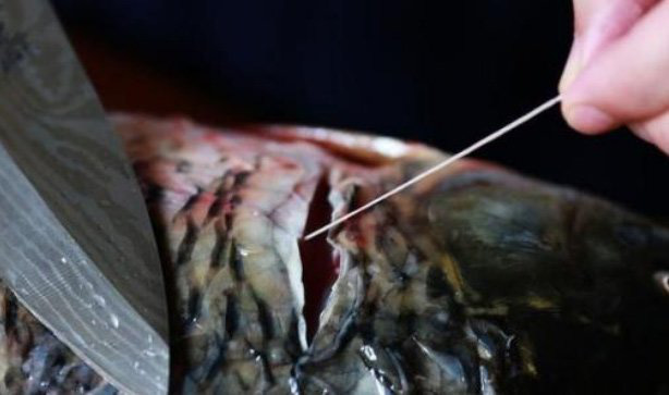 Không cần giấm hay rượu, cá tanh mấy cũng hết sạch mùi chỉ cần biết điểm duy nhất này khi làm cá