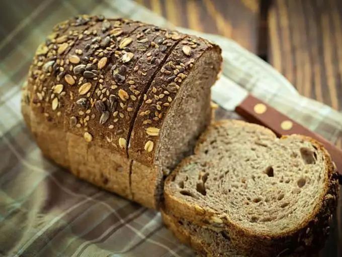 Không muốn mua phải bánh mì gối hỏng hay ôi thiu, chị em nên tránh ngay 7 sai lầm này