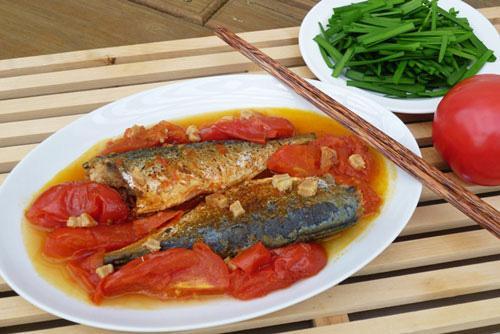 Làm cá nục sốt cà chua ngon như đóng hộp, hóa ra mẹo cực dễ nằm ở ngay bước này
