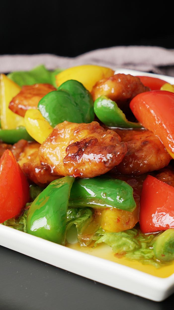"""""""Lịm tim"""" với món gà rán xào với ớt chuông sốt chua ngọt"""