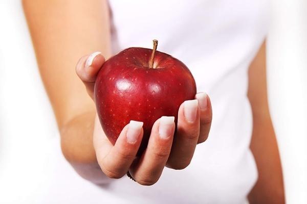 Mách bạn 6 mẹo chọn táo ngon, mọng nước giòn ngọt, không tẩm hóa chất