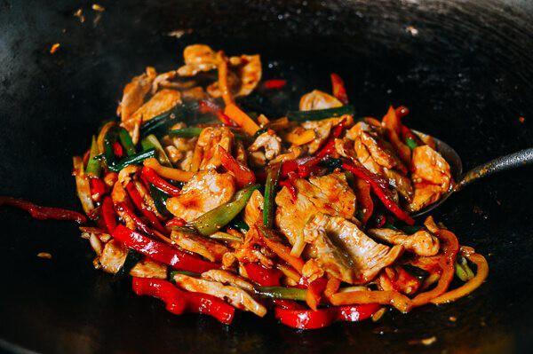 Mách bạn cách làm gà xào thơm ngon theo kiểu Thái