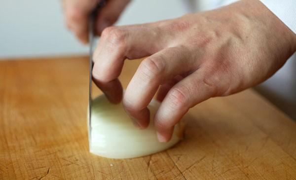 Mẹo cắt thực phẩm nhanh nhất bạn không thể bỏ qua