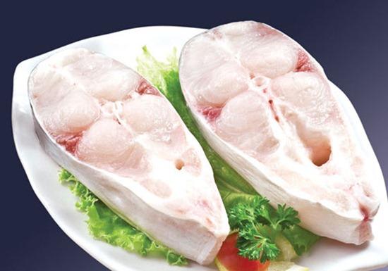Mẹo để cá hết mùi tanh khi nấu