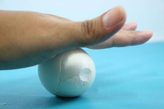 Mẹo luộc trứng và bóc trứng cực nhanh và đơn giản