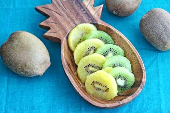 Mẹo nhỏ cắt trái kiwi ngon miệng