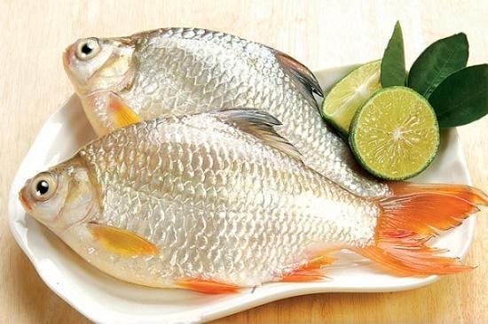 Mẹo tránh ăn phải cá chết đông lạnh ai cũng nên biết