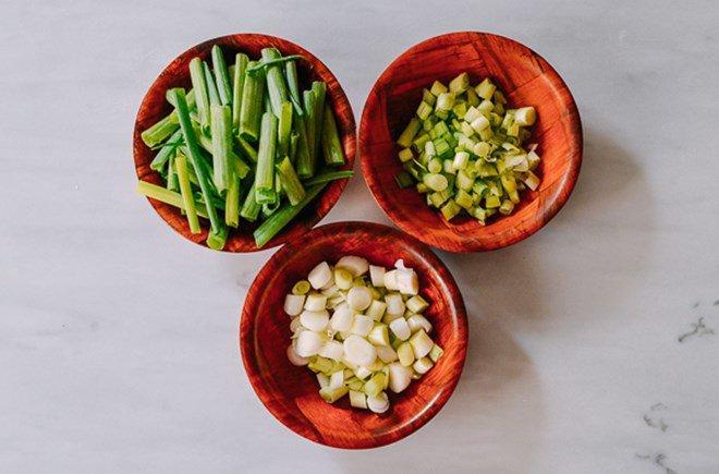 Mẹo trữ đông các loại rau gia vị tươi lâu, mở tủ lạnh ra là có, đỡ mất công mua