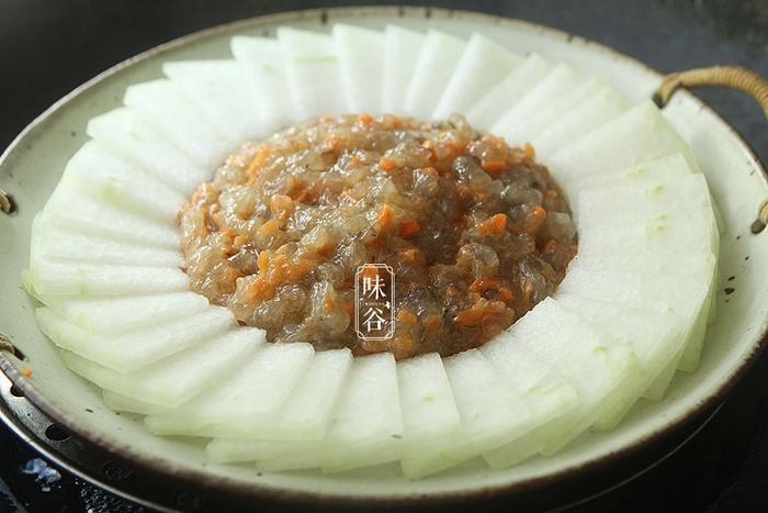 Món bí xanh hấp tôm - hương vị mát lành lạ miệng khiến chồng con 'chén tì tì', cứ vài ngày lại đòi nấu cho ăn