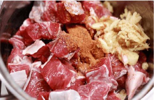 Món ngon bữa tối: Thịt bò sốt vang ngon đúng điệu