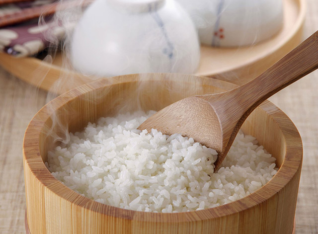 Muốn cơm dẻo thơm, đừng chỉ nấu thông thường mà nên thêm ngay 2 thứ này