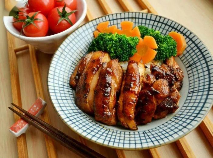 Nắng nóng ăn gì, làm món đùi gà hấp 'cực phẩm' này thì đầu bếp nhà hàng cũng phải chào thua