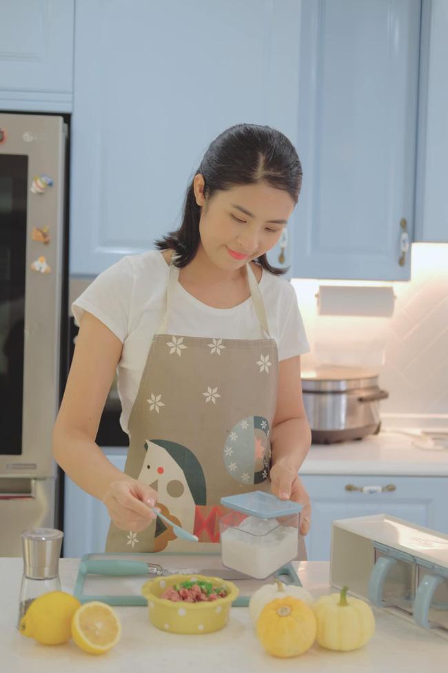 Nấu món nào là hot món đó - tham khảo ngay món này cho bữa tối vì Hoa hậu Ngọc Hân đảm bảo nó cực ngon!