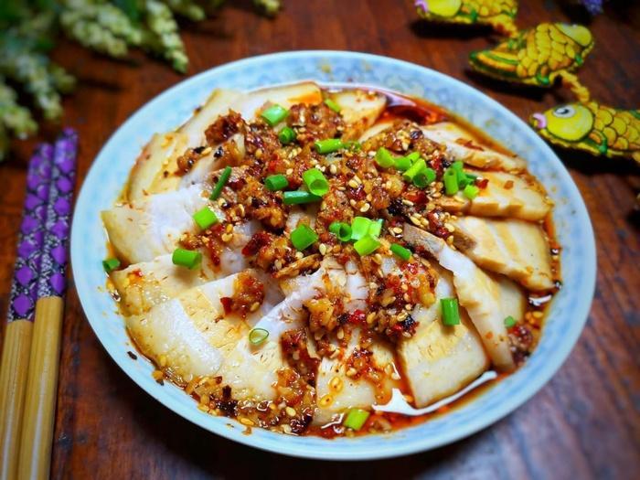 Ngán thịt rang thì làm ngay thịt ba chỉ sốt tỏi ớt, món ngon 'bá cháy' cho bữa cơm ngày lạnh