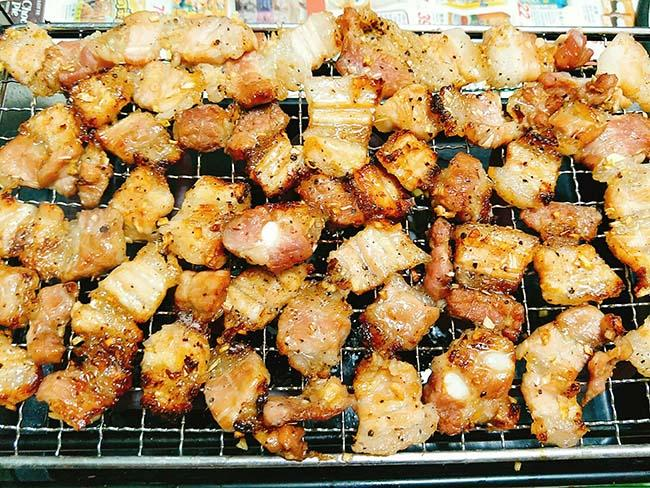 Nghỉ lễ ở nhà mà chưa nghĩ ra món gì liên hoan thì trổ tài làm ngay thịt nướng thôi!