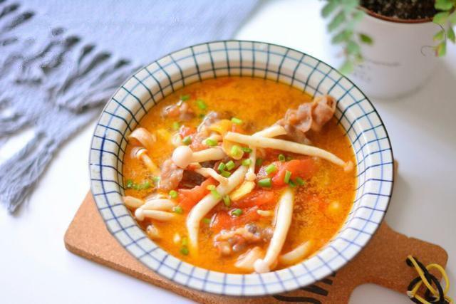 Ngọt thơm canh bò nấu nấm cho bữa cơm mùa đông thêm hấp dẫn