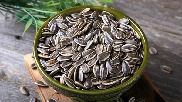 Những loại hạt ngon ngậy để nhâm nhi ngày Tết, mua nhiều một chút cũng chẳng sợ phí!
