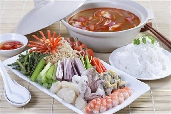 Những loại rau ngon nhưng tối kỵ khi ăn lẩu, cần tránh kẻo ngộ độc cấp hoặc rước bệnh vào người