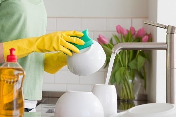 Rét buốt, khi rửa bát chớ bỏ qua những bước quan trọng này để bảo vệ sức khoẻ của cả gia đình