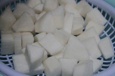 Sườn non kho củ cải trắng