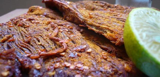 Tết này chị em hãy ghim ngay công thức làm thịt bò khô cực đơn giản này!