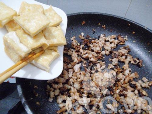 Thịt băm xốt nấm đậu siêu ngon