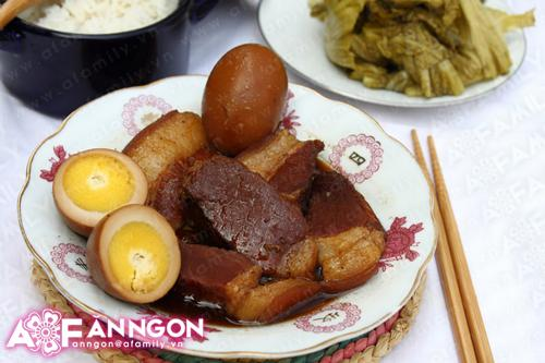 Thịt heo kho trứng - thân thuộc mà hấp dẫn